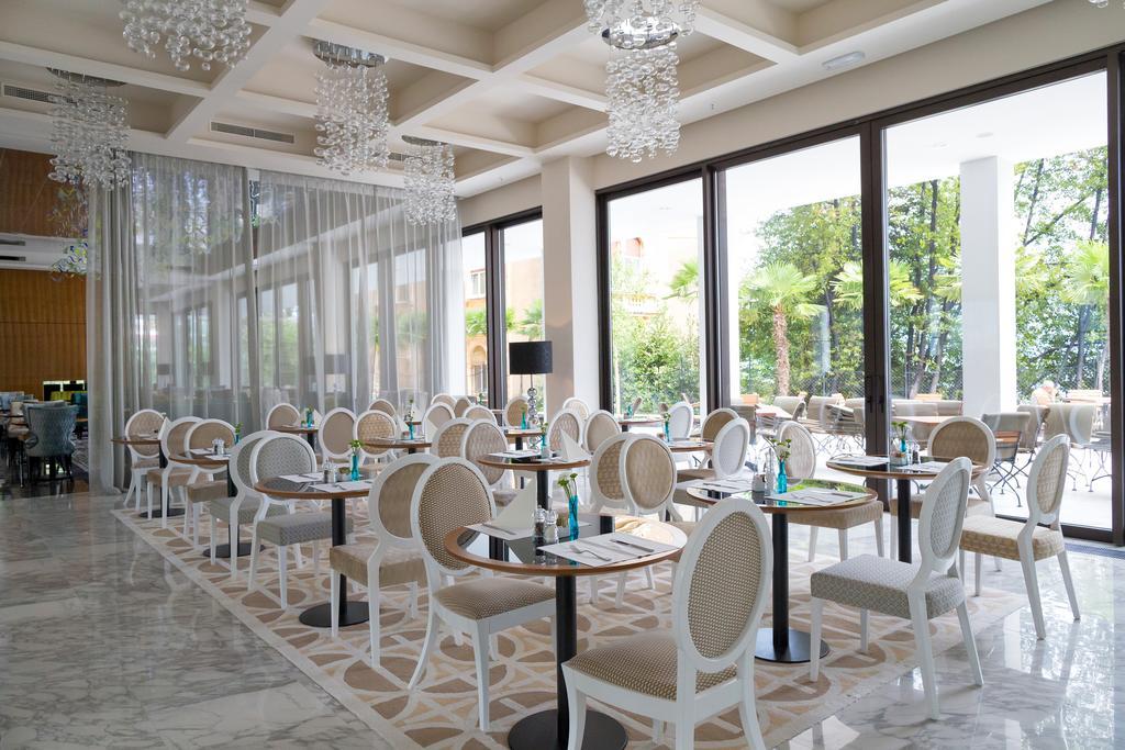 AMADRIA-PARK-HOTEL-ROYAL-DEUS-TRAVEL-15