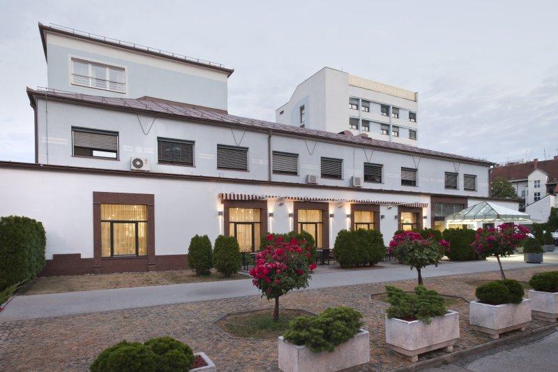 HOTEL-PIRAMIDA-DEUS-TRAVEL-13