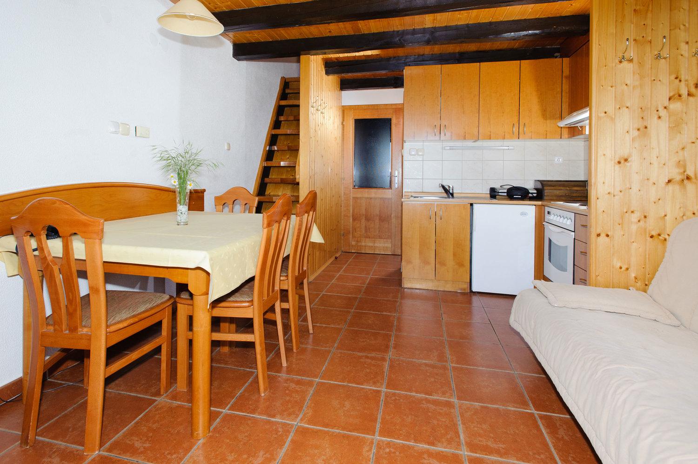 rsz_rogla-bungalow_4-2-kitchen-living_room