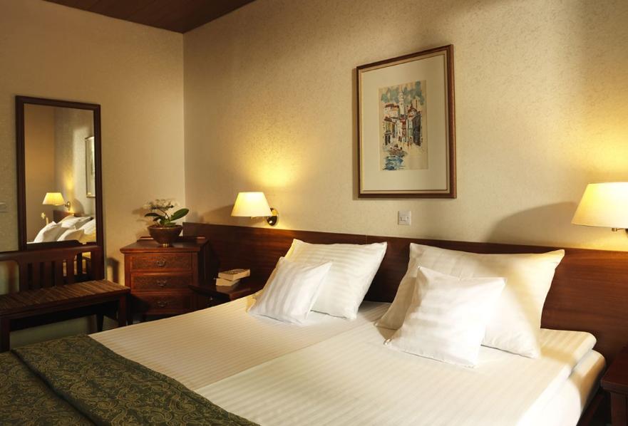 hotel-jadran-bled-dvokrevetna-soba-2
