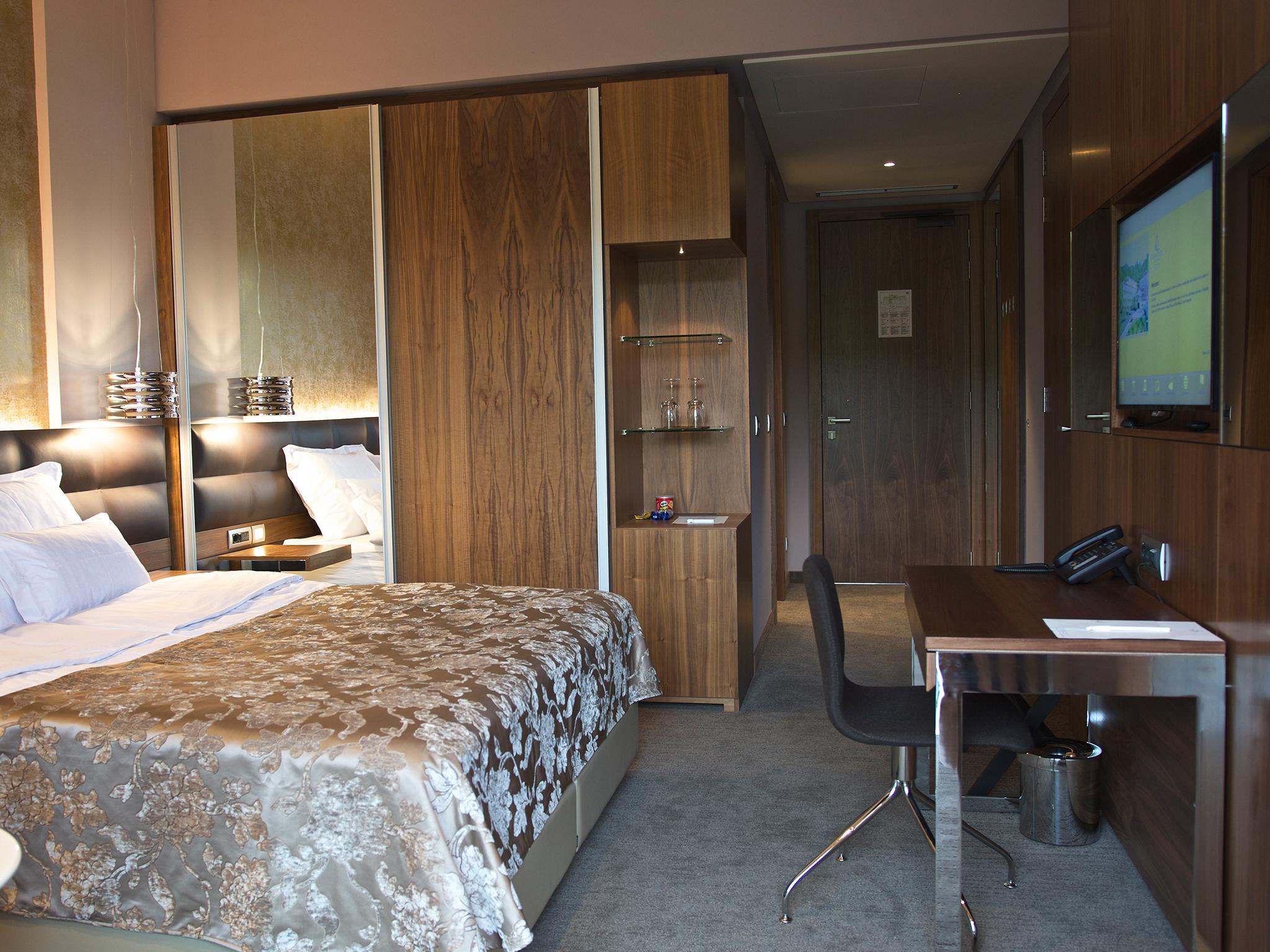 hotel atlantida deus travel 26