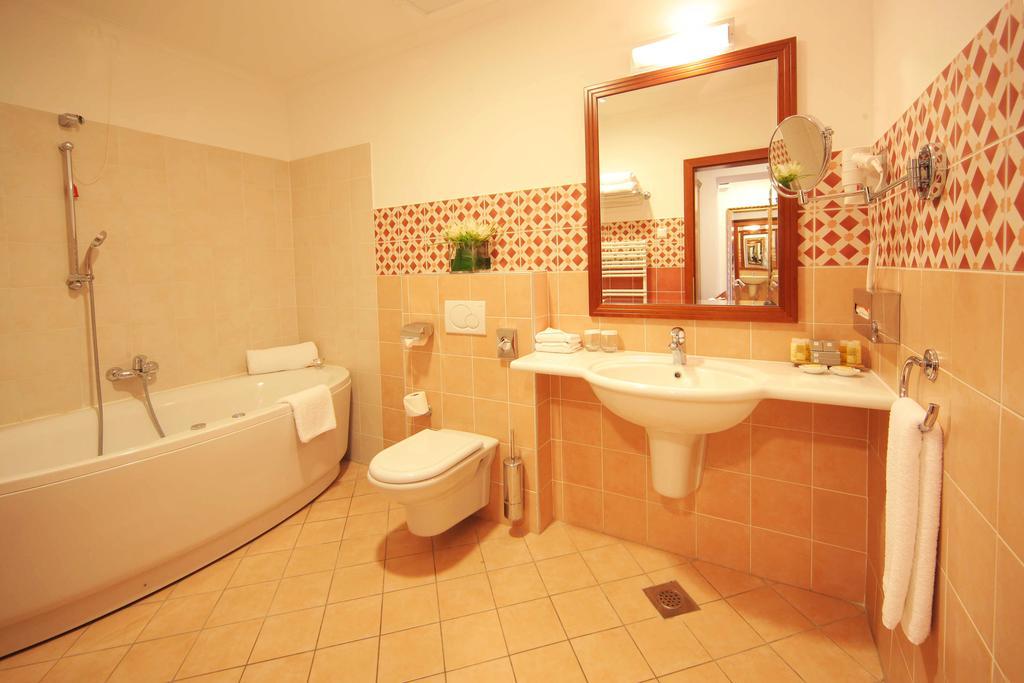 HOTEL-BEST-WESTERN-PREMIER-LOVEC-14
