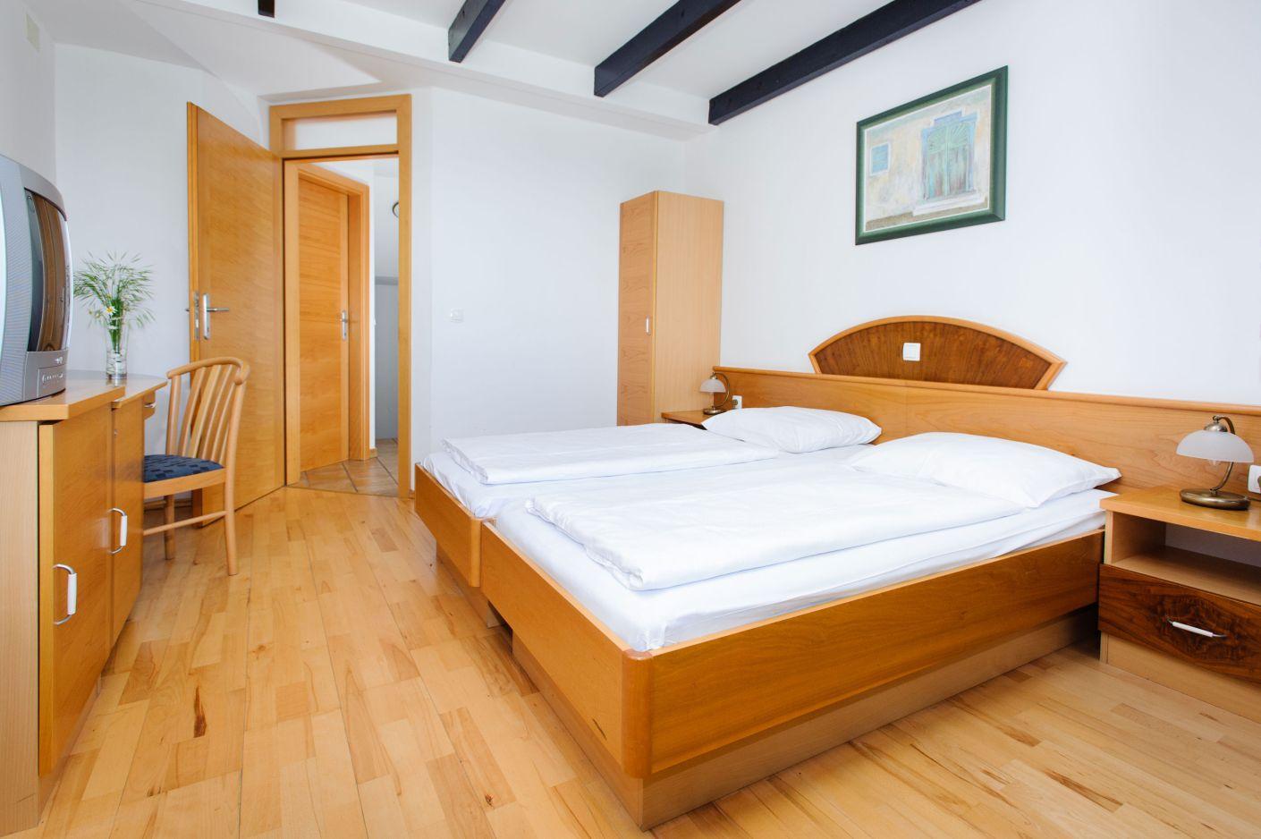 Hotel-Brinje-2-3-double-roo