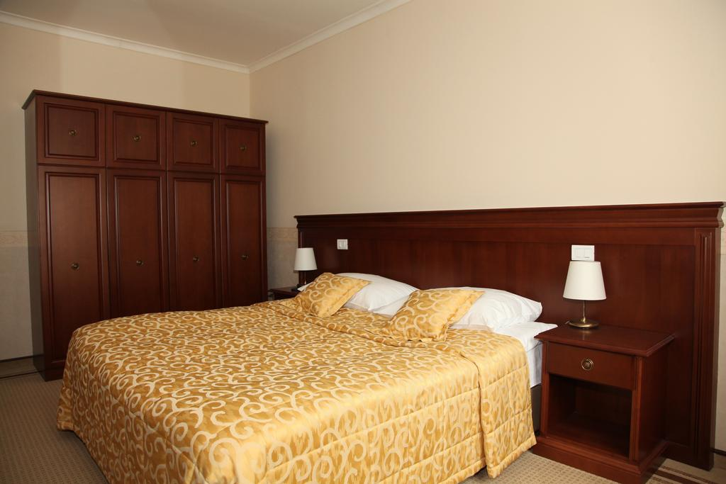 HOTEL-GOLF-GRAD-MOKRICE-TERME-CATEZ-SLOVENIJA-DEUS-TRAVEL-15
