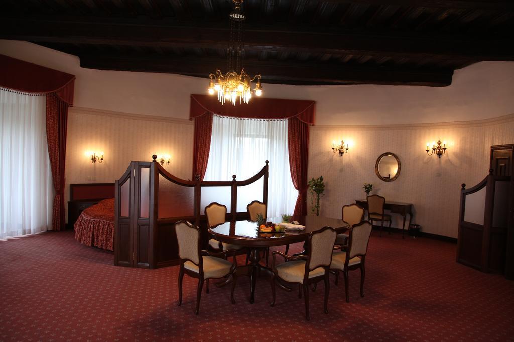 HOTEL-GOLF-GRAD-MOKRICE-TERME-CATEZ-SLOVENIJA-DEUS-TRAVEL-7