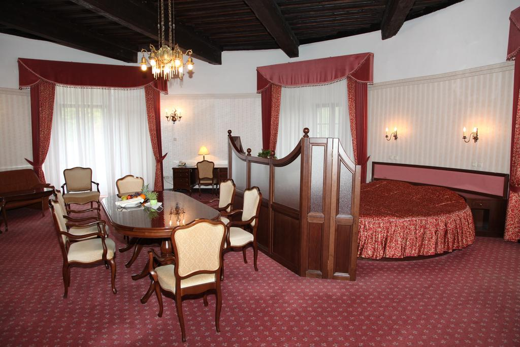 HOTEL-GOLF-GRAD-MOKRICE-TERME-CATEZ-SLOVENIJA-DEUS-TRAVEL-9