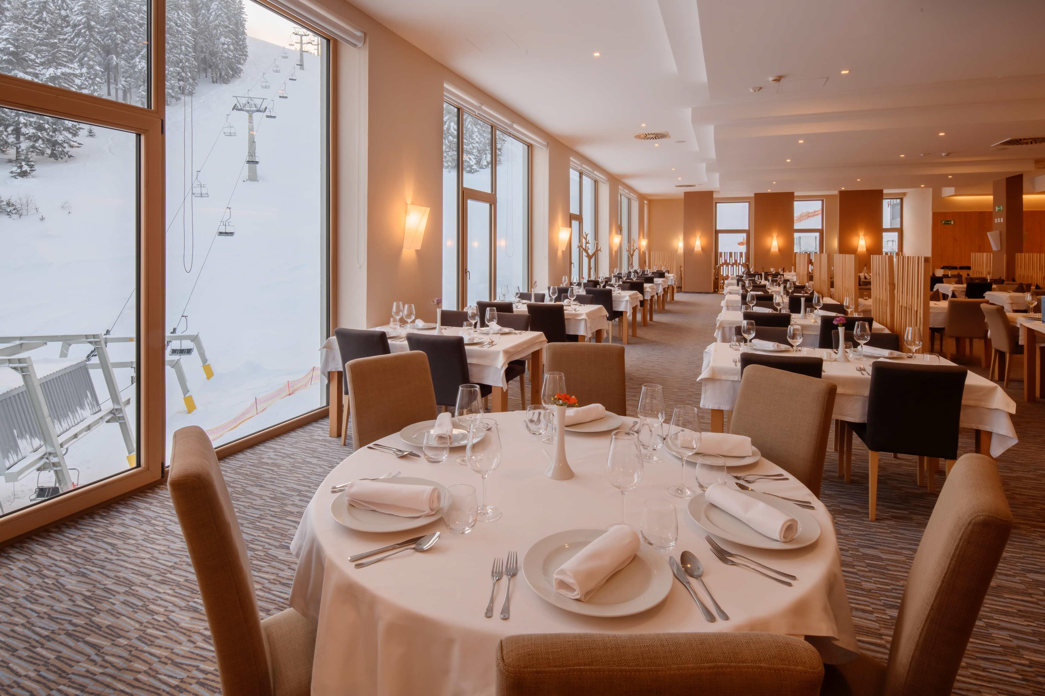 hotel restaurant 2