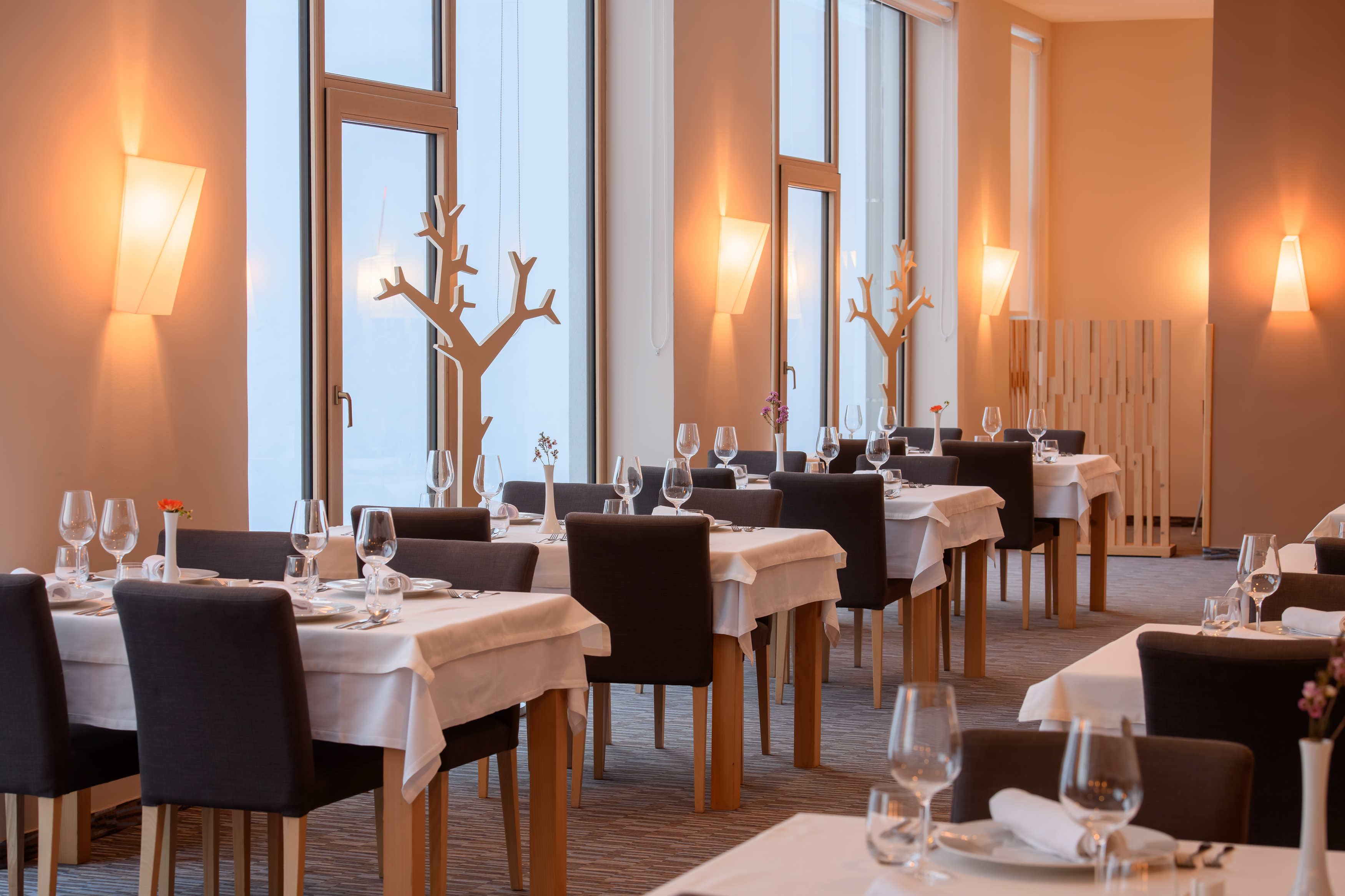 hotel restaurant 3