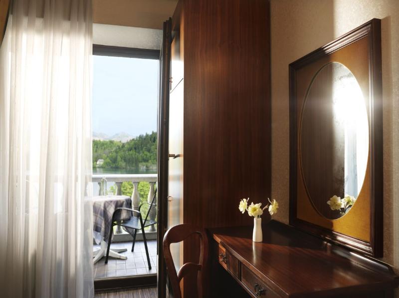hotel-jadran-bled-jednokrevetna-sa-pogledom-na-jezero-2
