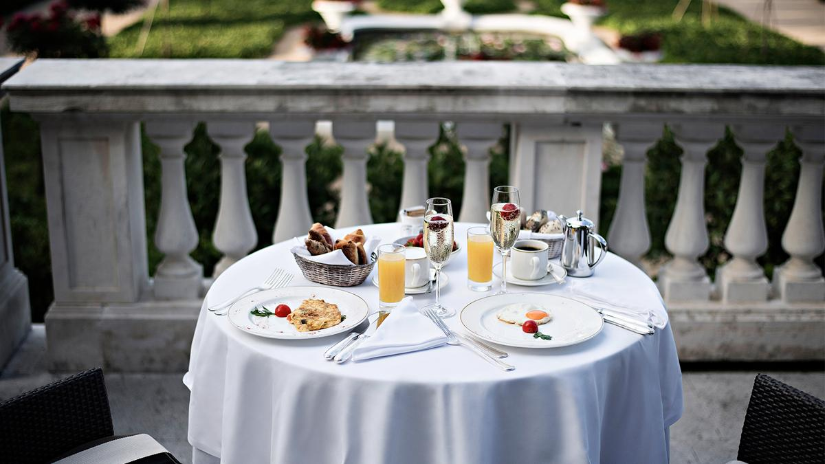 breakfast-on-the-terrace-kempinski-palace-portoroz-istria-slovenia
