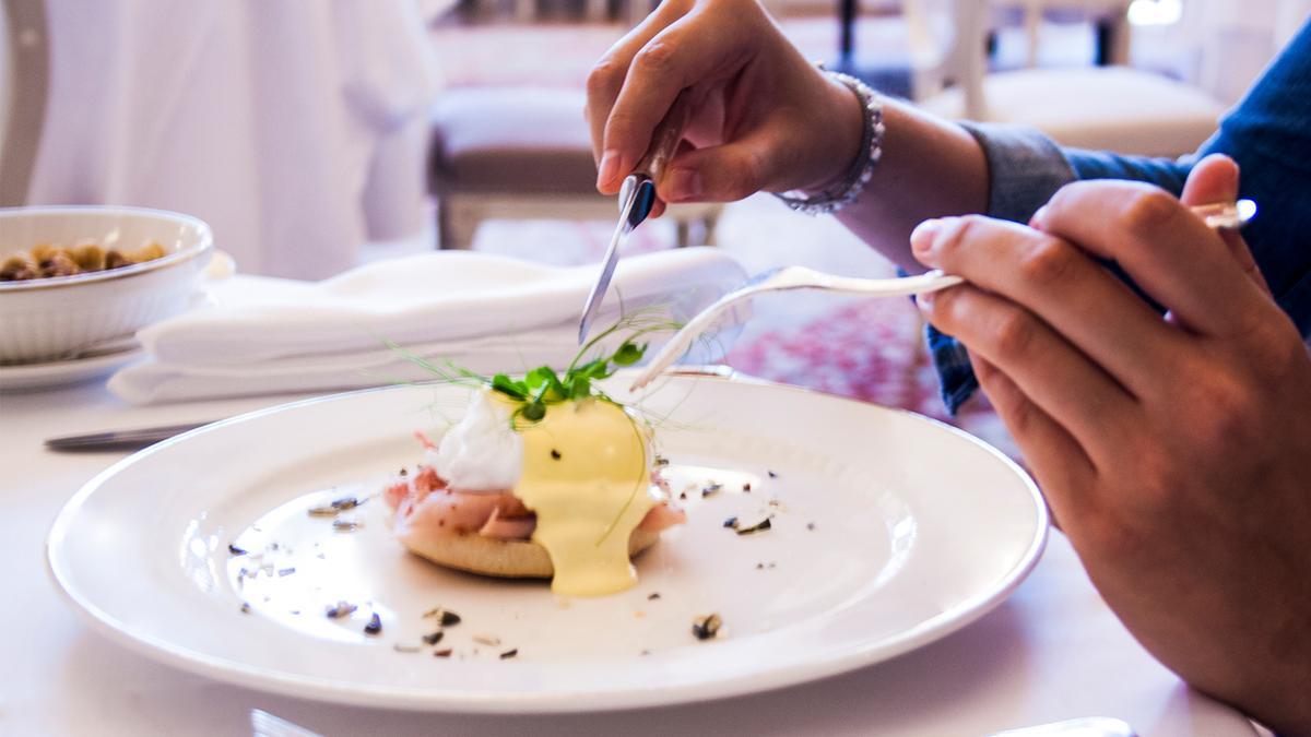 eggs-benedict-kempinski-palace-portoroz-istria-slovenia