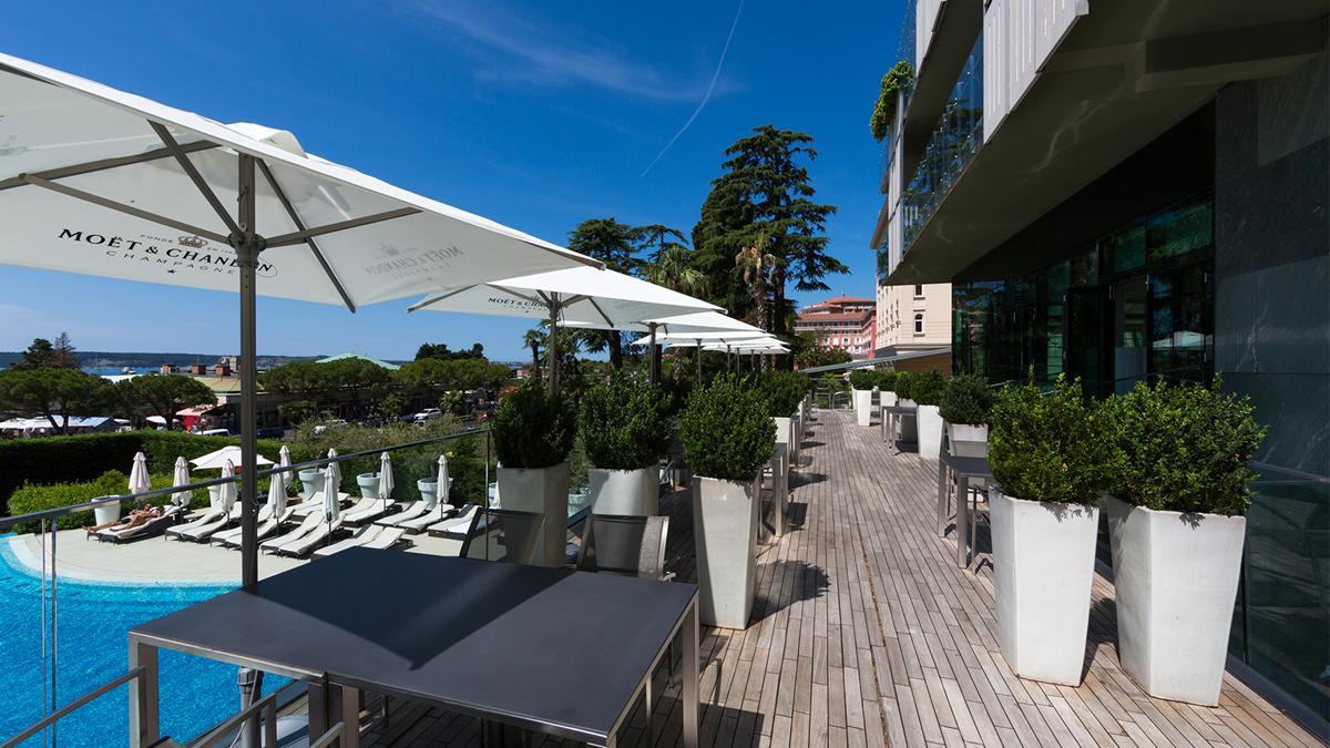 restaurant-fleur-de-sel-pool-view-kempinski-palace-portoroz-istria-slovenia
