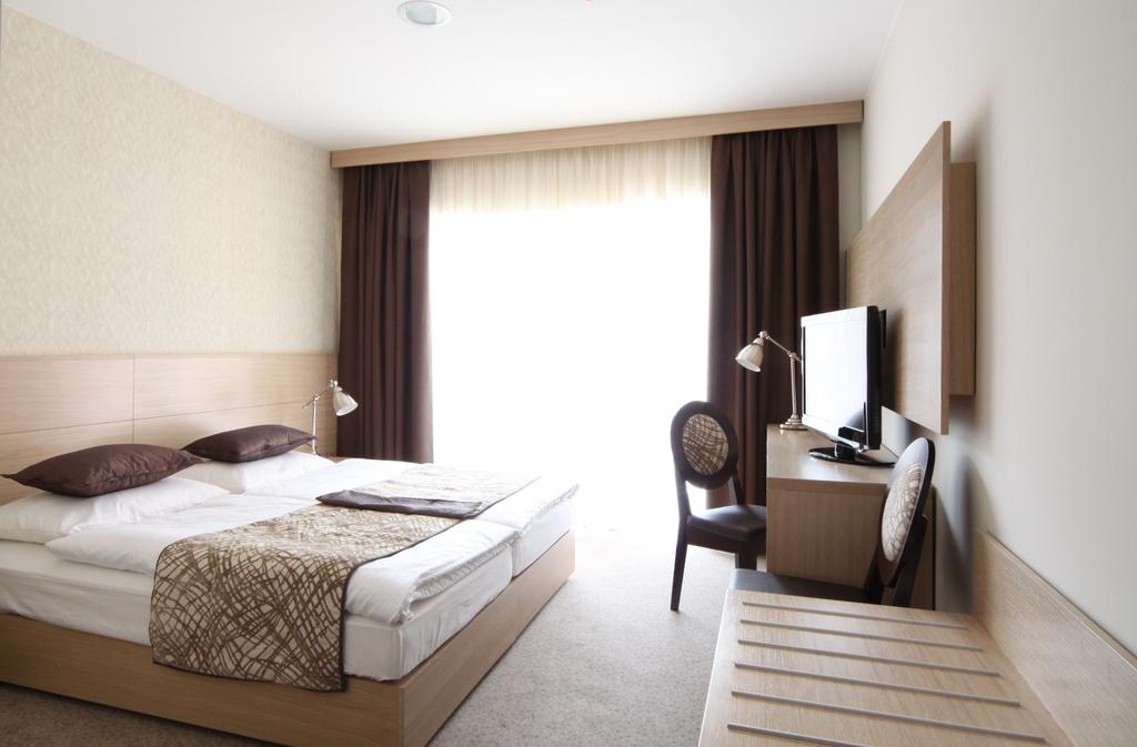 HOTEL-MANGART-BOVEC-SLOVENIJA-TERME-11