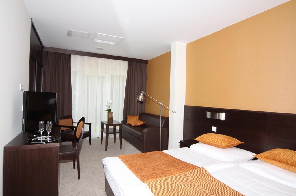 HOTEL-MANGART-BOVEC-SLOVENIJA-TERME-12