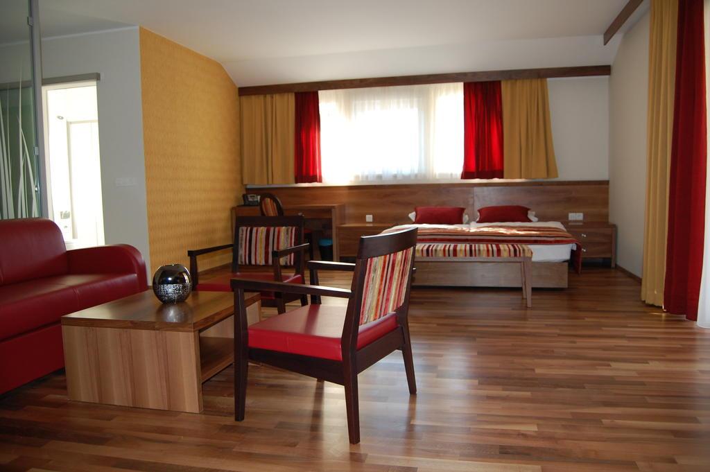 HOTEL-MANGART-BOVEC-SLOVENIJA-TERME-16