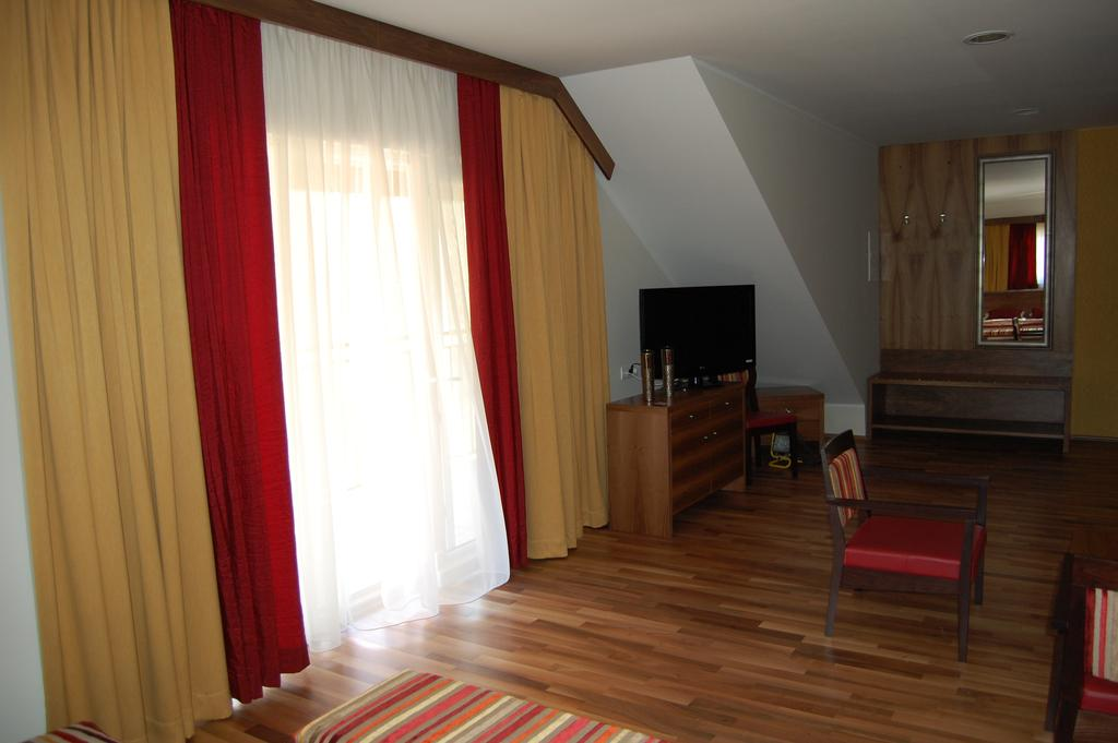HOTEL-MANGART-BOVEC-SLOVENIJA-TERME-9