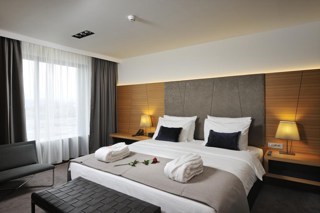 HOTEL-RADISSON-BLUE-PLAZA-LJUBLJANA-SLOVENIJA-DEUS-TRAVEL-4