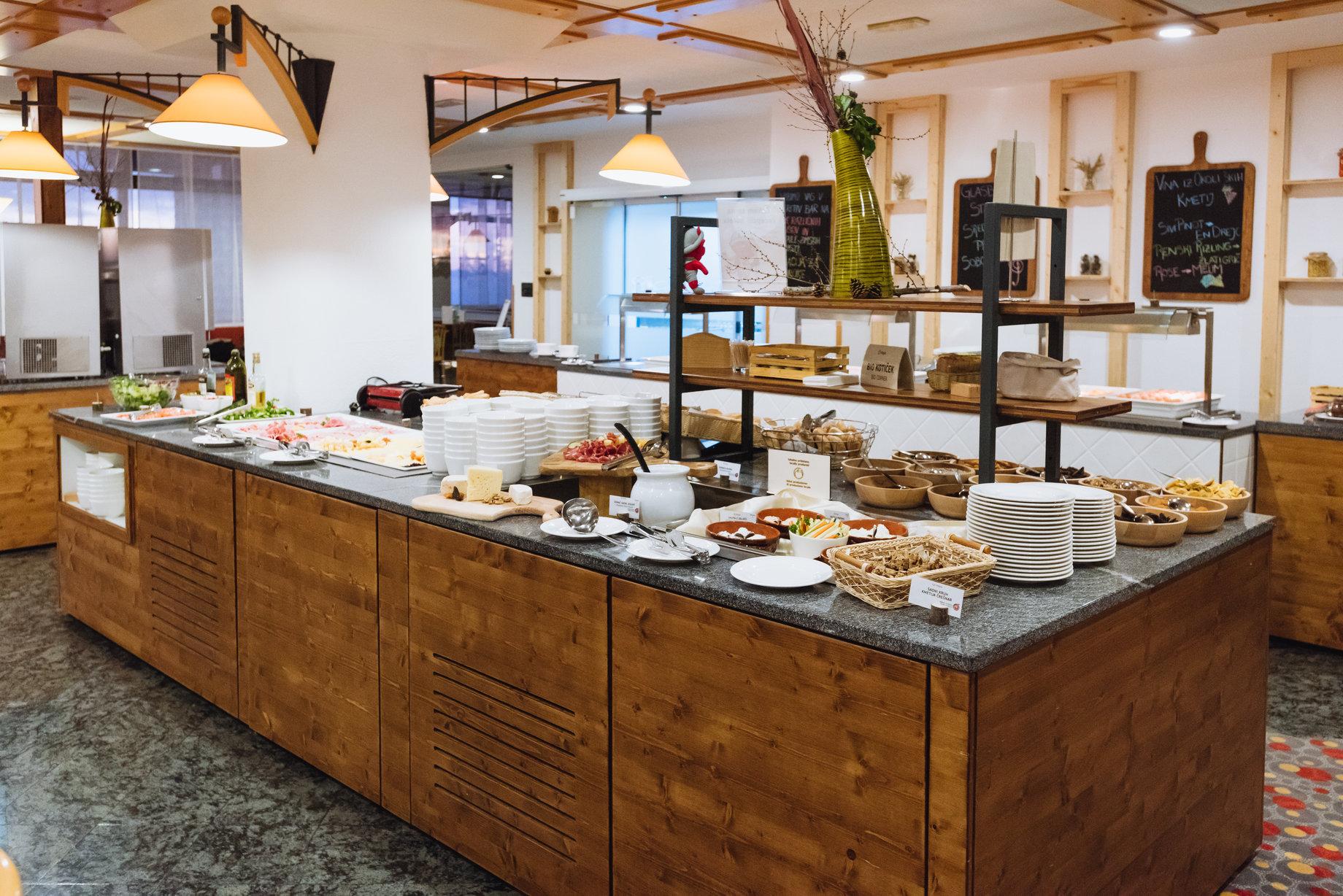 rsz_rogla-breakfast-rogla-hotel