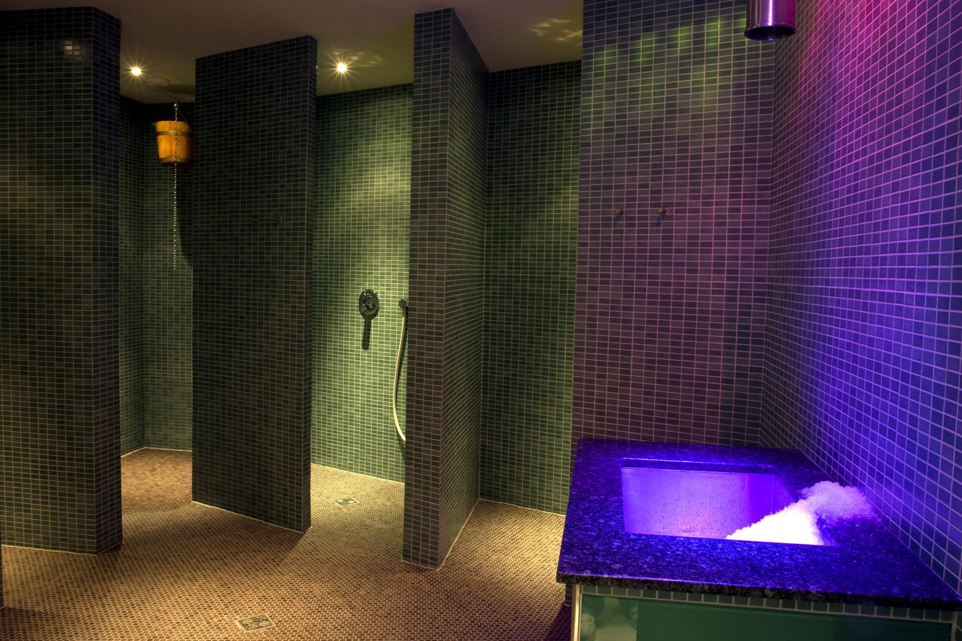 sauna showers