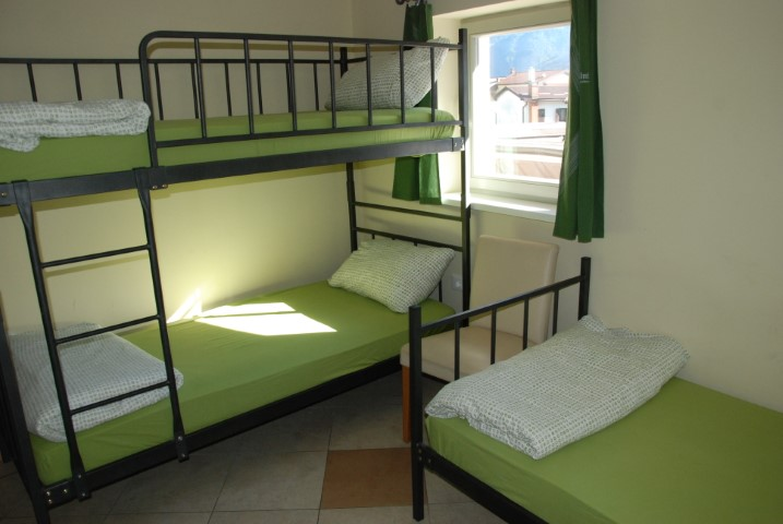 HOSTEL-X-POINT-DEUS-TRAVEL-11