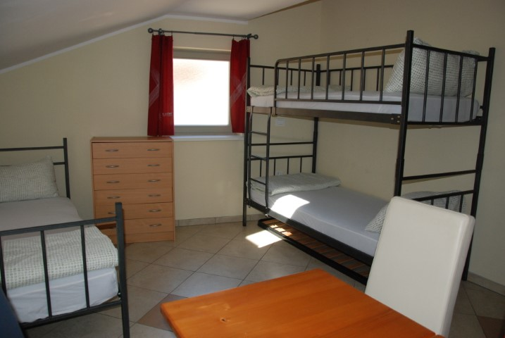 HOSTEL-X-POINT-DEUS-TRAVEL-17